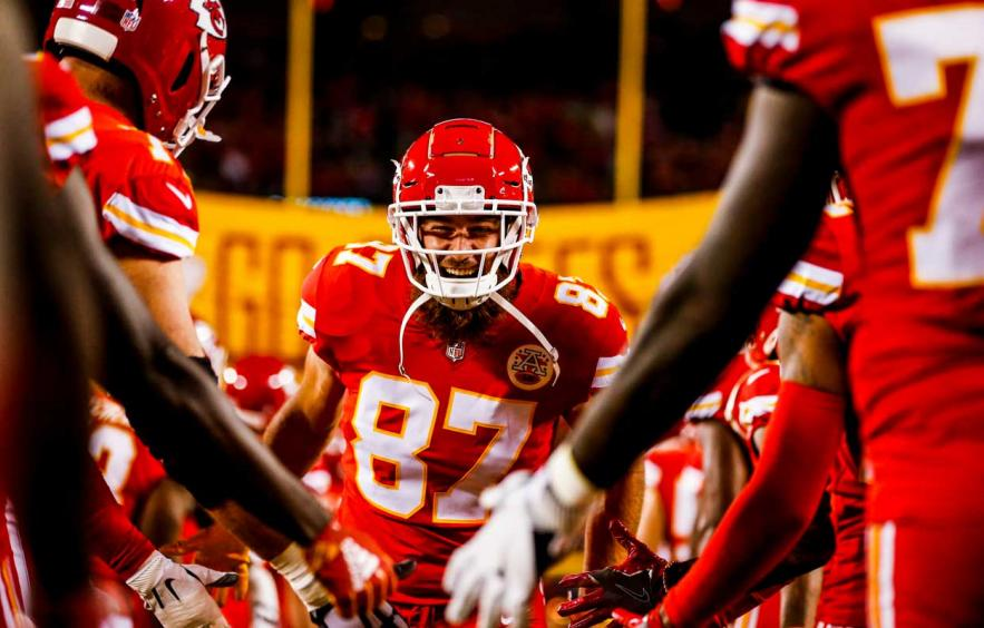 Should You Pay Up for Travis Kelce in 2021 Auction Drafts?
