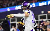 adam thielen away pointing